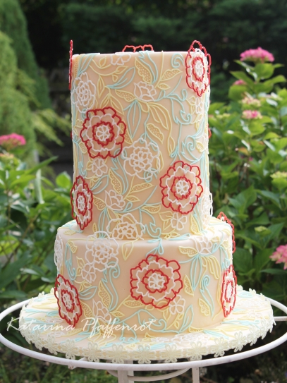 Summer filigree Weddingcake